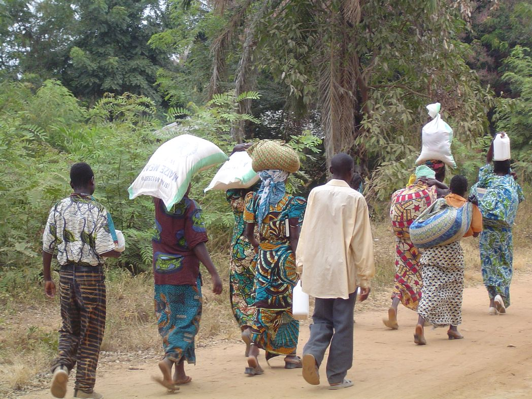 Évaluation des programmes d'aide humanitaire hollandais[...]
