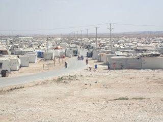 Camp de réfugiés dans le désert